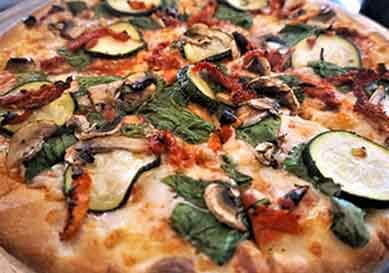 Image of veggies pizza